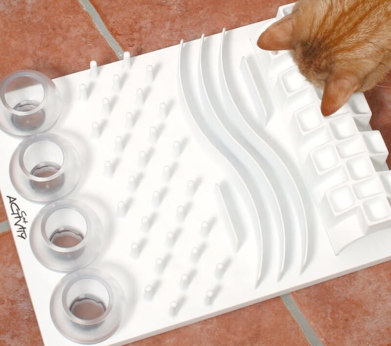Puzzle feeder for cats